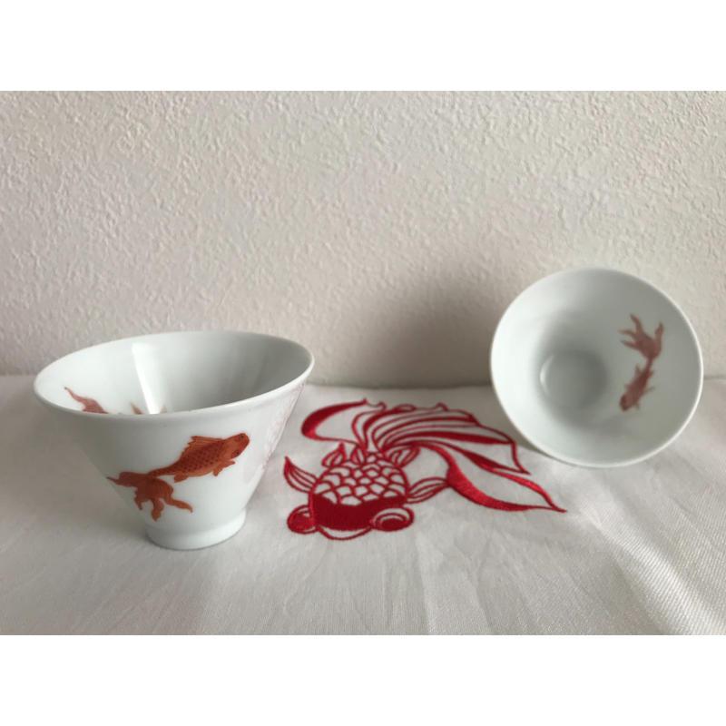 【中国景徳鎮】幸運を呼ぶ響杯・吉祥杯「王永波」先生制作 金魚茶杯