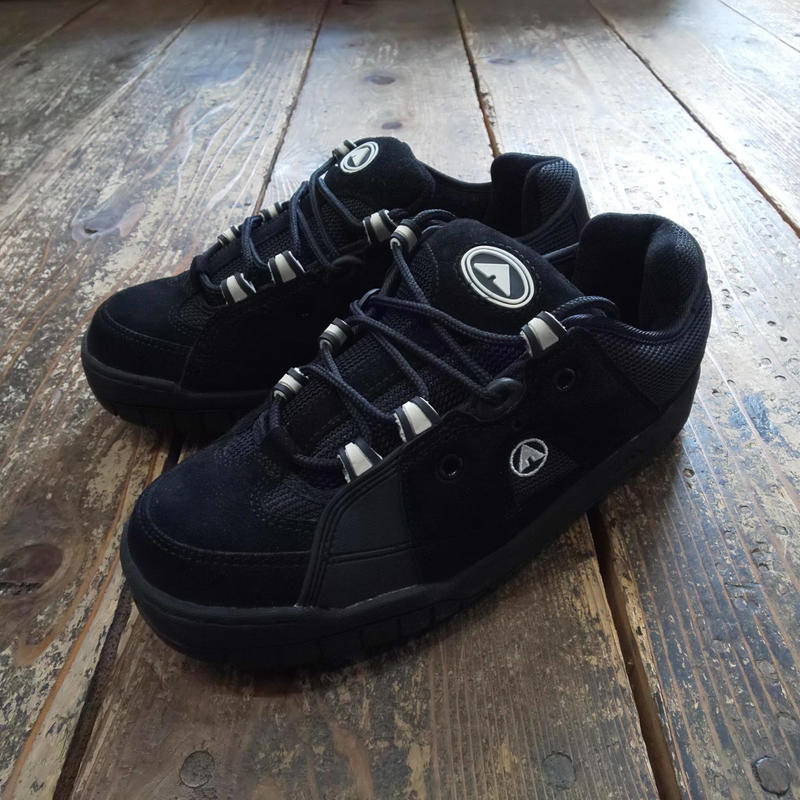 (DEADSTOCK) AIRWALK 『OUTCOME(BLACK/WHITE) US9.5サイズ』