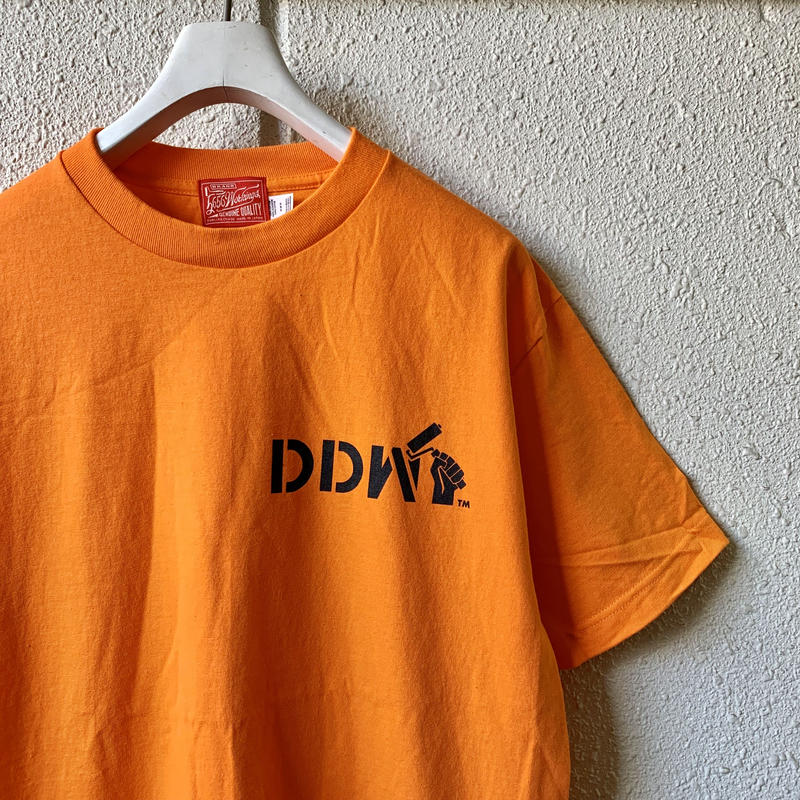 5656WORKINGS/DDW Tee_ORENGE