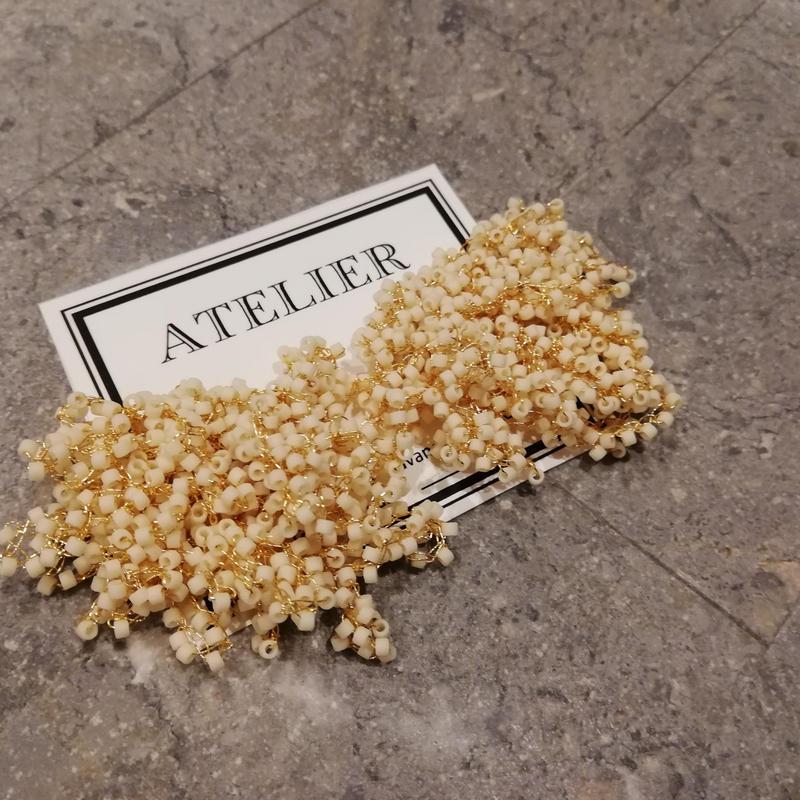 マットベージュ (s) antique beads kasumisou
