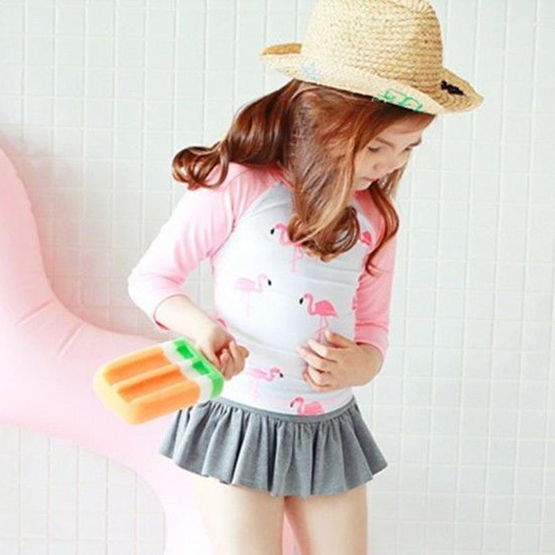 再再入荷☺︎kids【3点セット】フラミンゴ柄ラッシュガード+パンツ+キャップ☆ピンク
