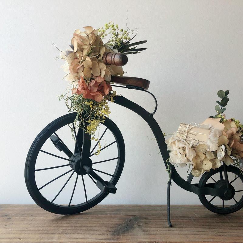 贈り物を届ける自転車 001