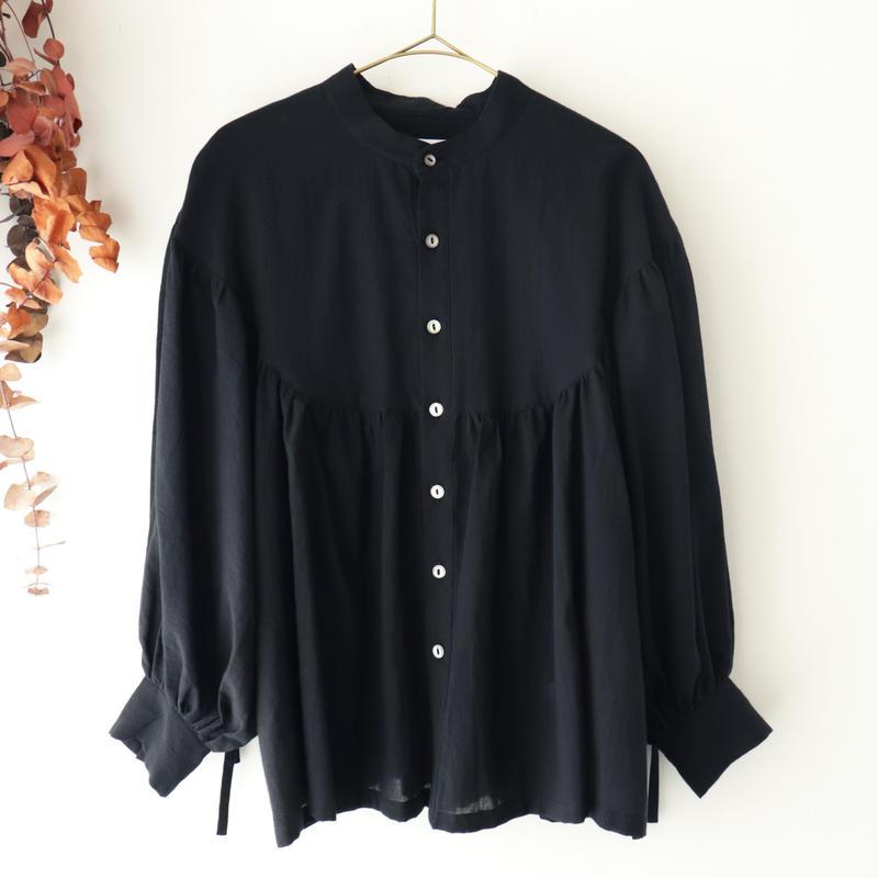 the last flower of the afternoon ザ ラスト フラワー オブ ジ アフタヌーン | 淡き光 round yoke blouse | ブラック