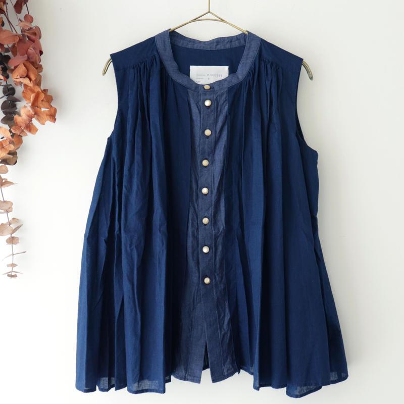 the last flower of the afternoon ザ ラスト フラワー オブ ジ アフタヌーン | 紺青のsleeveless blouse | インディゴ