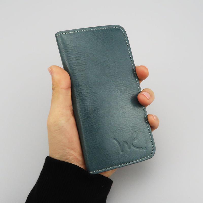 iPhone6,7,8対応ケース 牛革ソフトレザー <L111 ライトブルーXブラック>