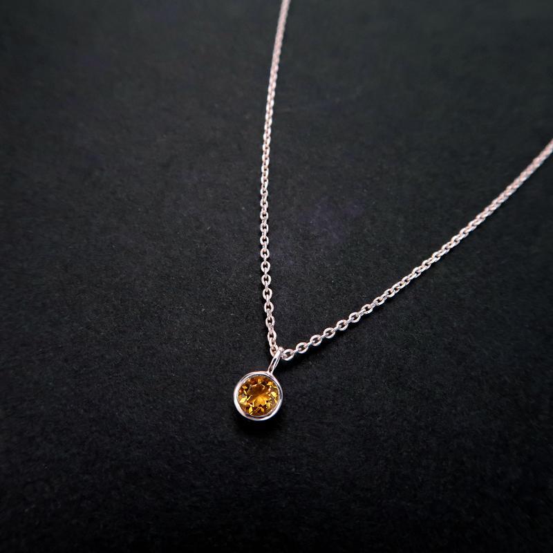 11月誕生石シトリンの一粒ネックレス