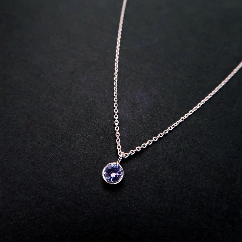 12月誕生石タンザナイトの一粒ネックレス