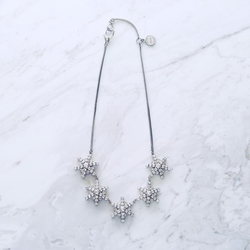 Snow necklace