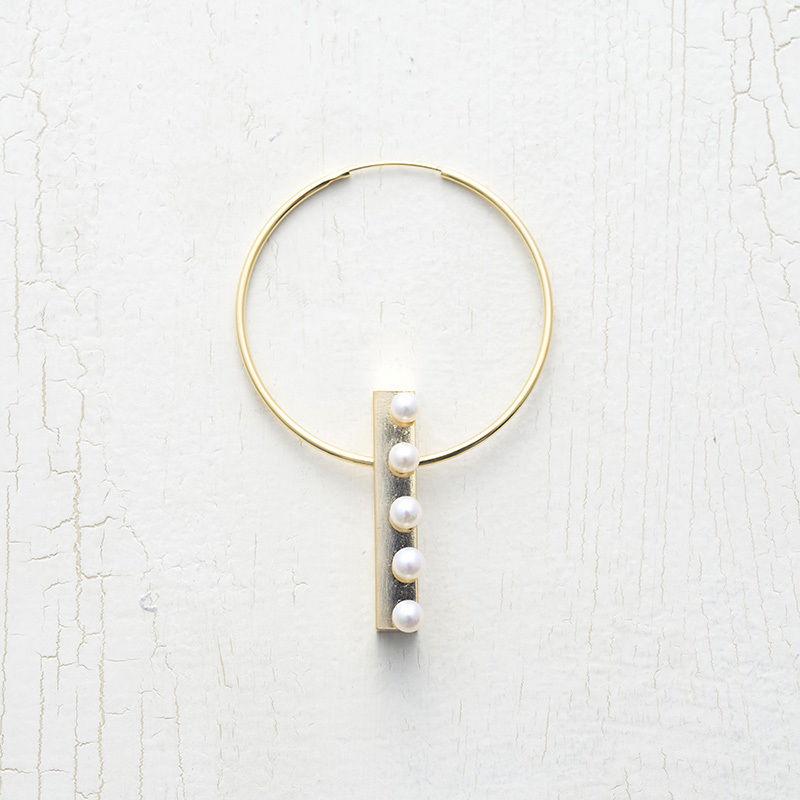Pearl element hoop pierce (1P)