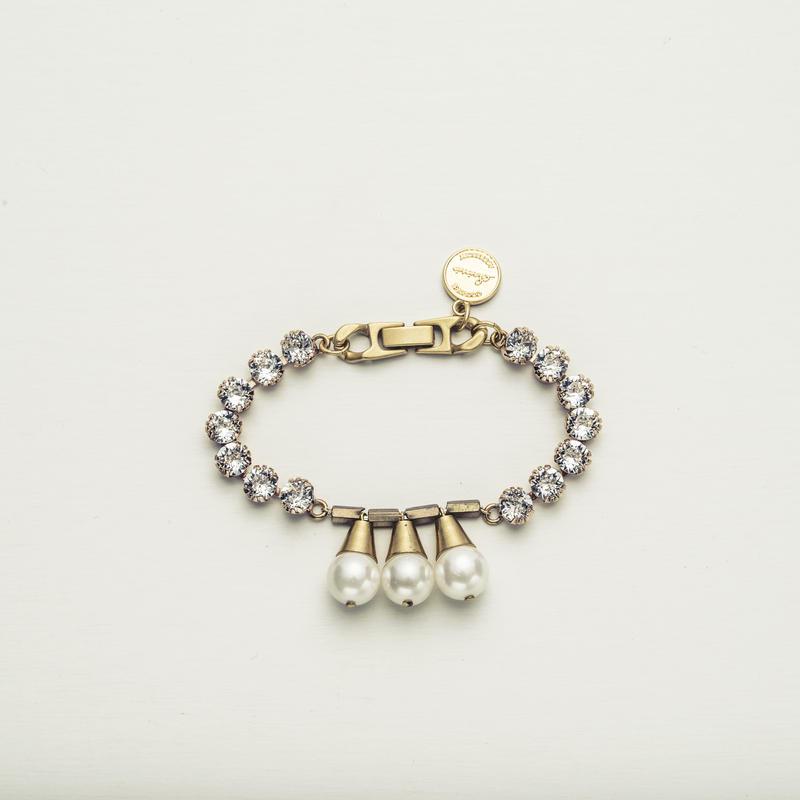 Coral bijou bracelet