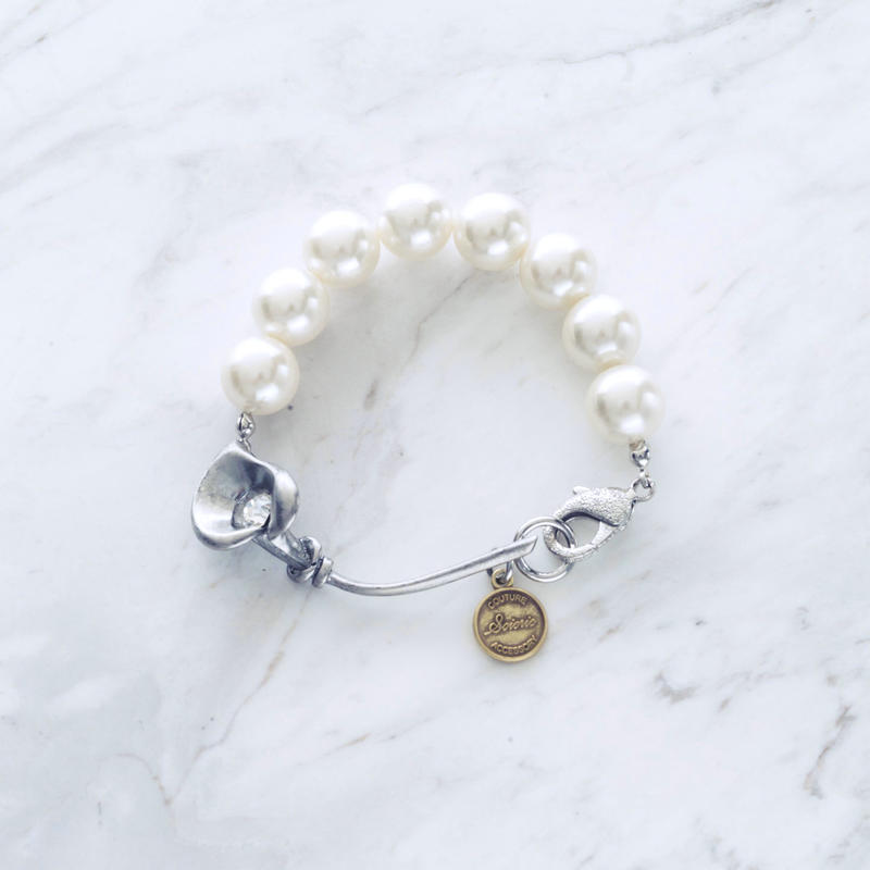 Calla lily pearl bracelet