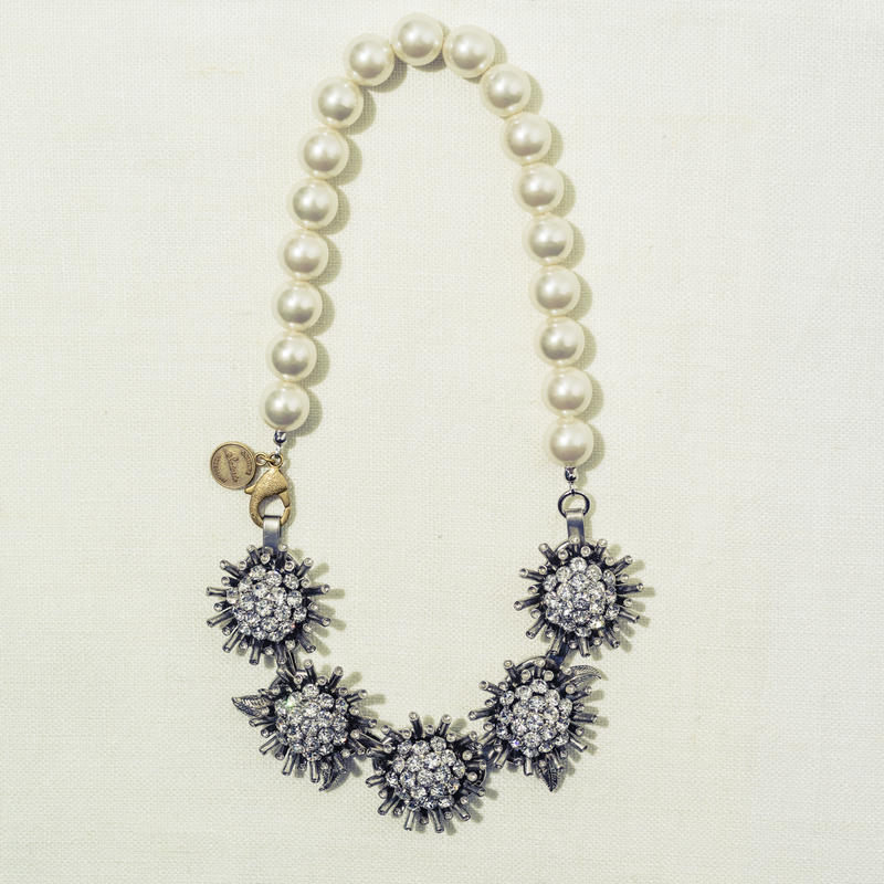 Sun flower pearl necklace