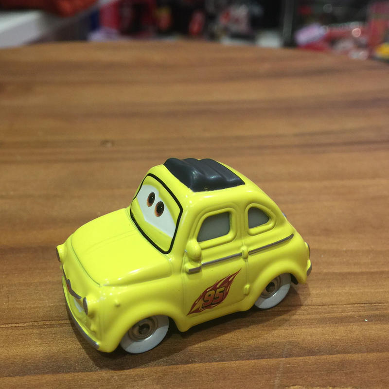 Disney Pixar Cars ルイジ