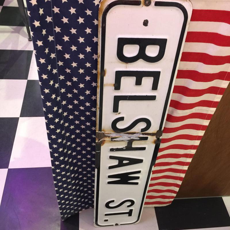BELSHAW ST ブリキサインボード