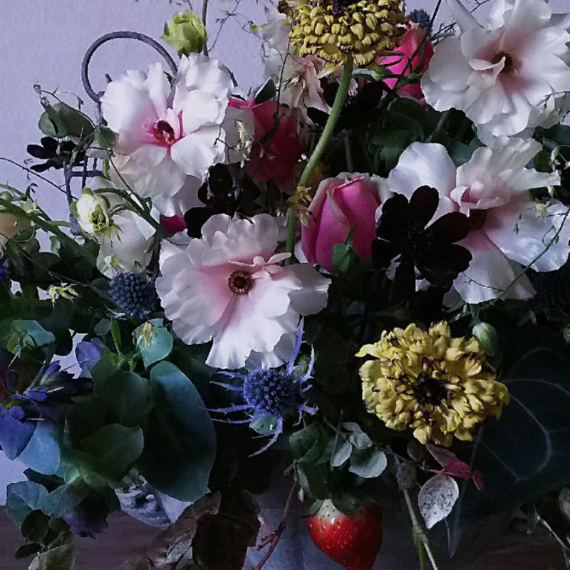 [オーダーメイド]お祝い花 〜テーブル置きMサイズアレンジメント〜