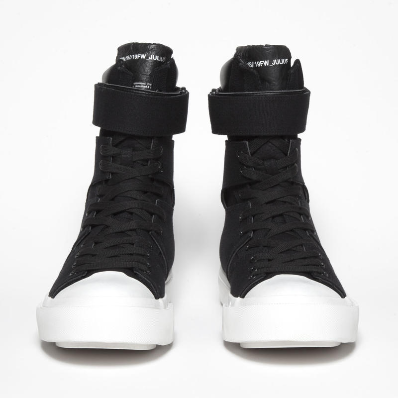 STRAPPED EDGE SNEAKER