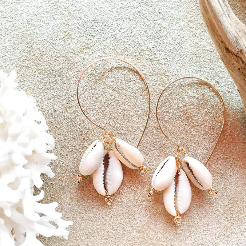 【受注後製作】14KGF Cowrie Shell Boho Earrings