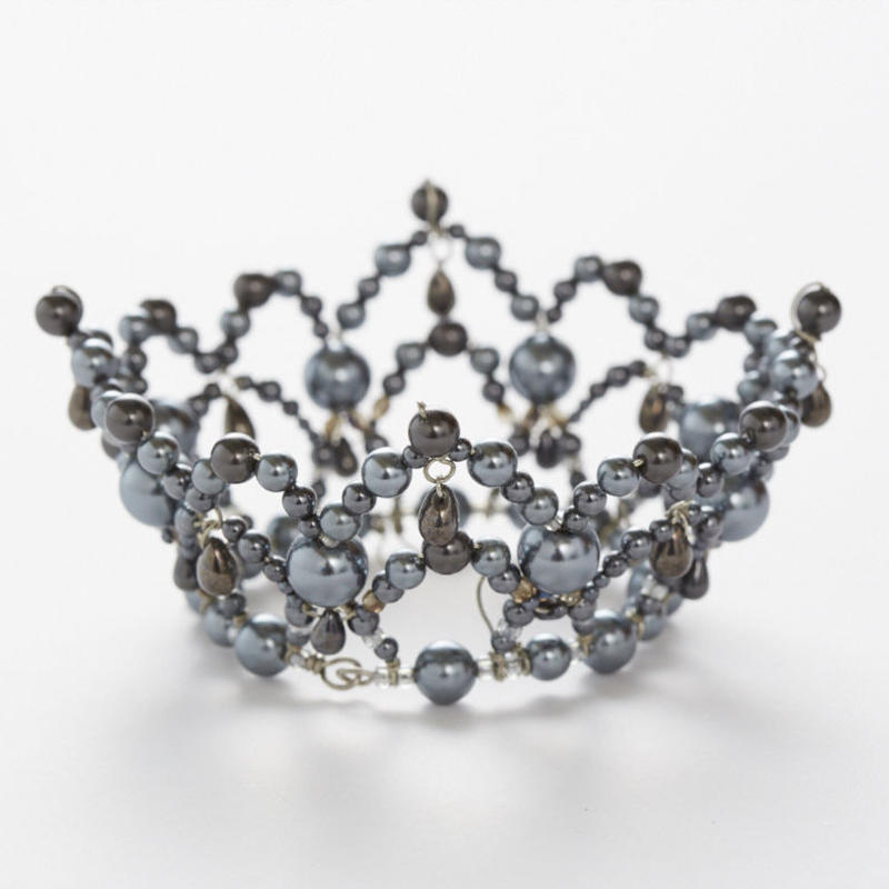 Gray Pearl Crown