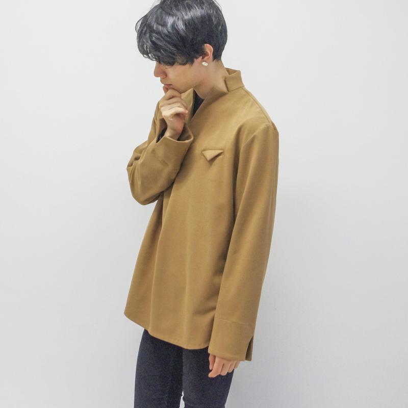 KONYA / letter shirt pullover / camel