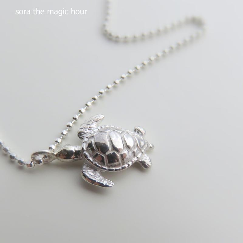 アオウミガメ ネックレス green turtle