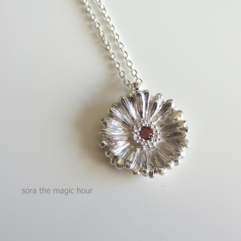 ガーベラのネックレス size L   Garbera necklace【受注生産】