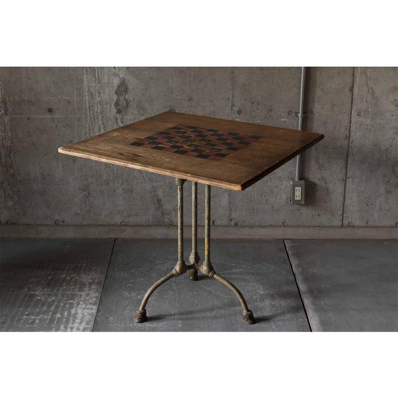 England チェステーブル