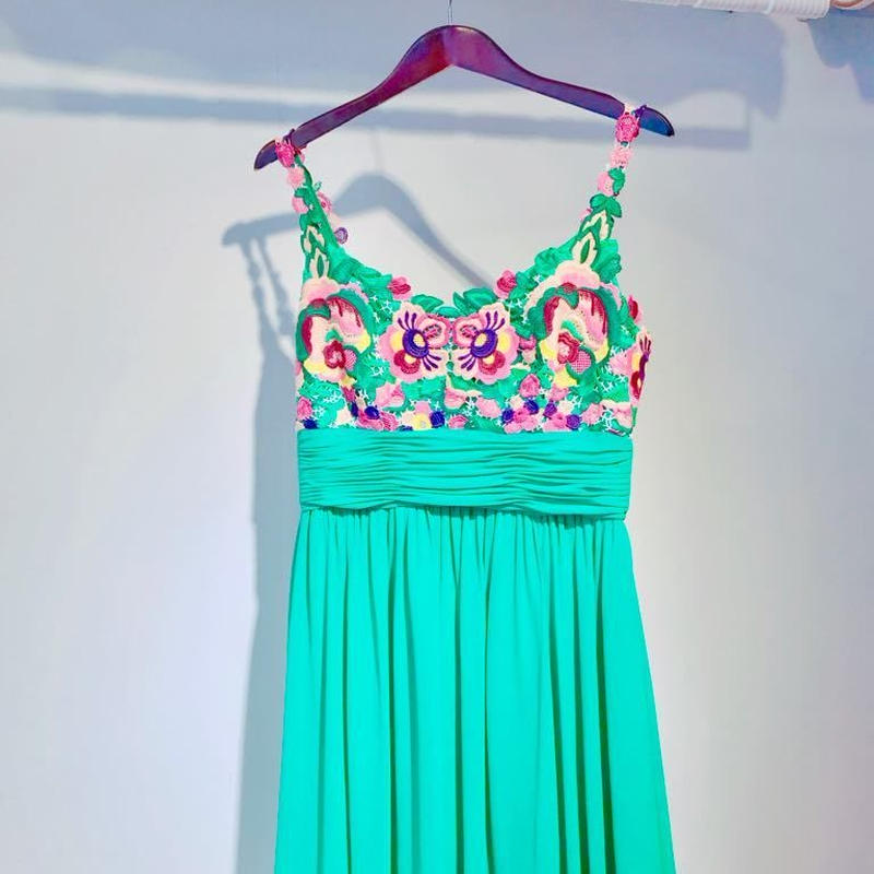 PERFECT DERSS with GREEN flower lace
