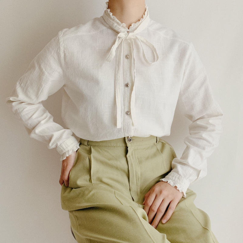 Euro  Vintage Cotton Linen Blouse With Ribbon