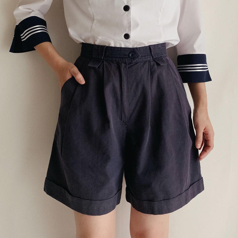 Euro Vintage Tuck Short Pants