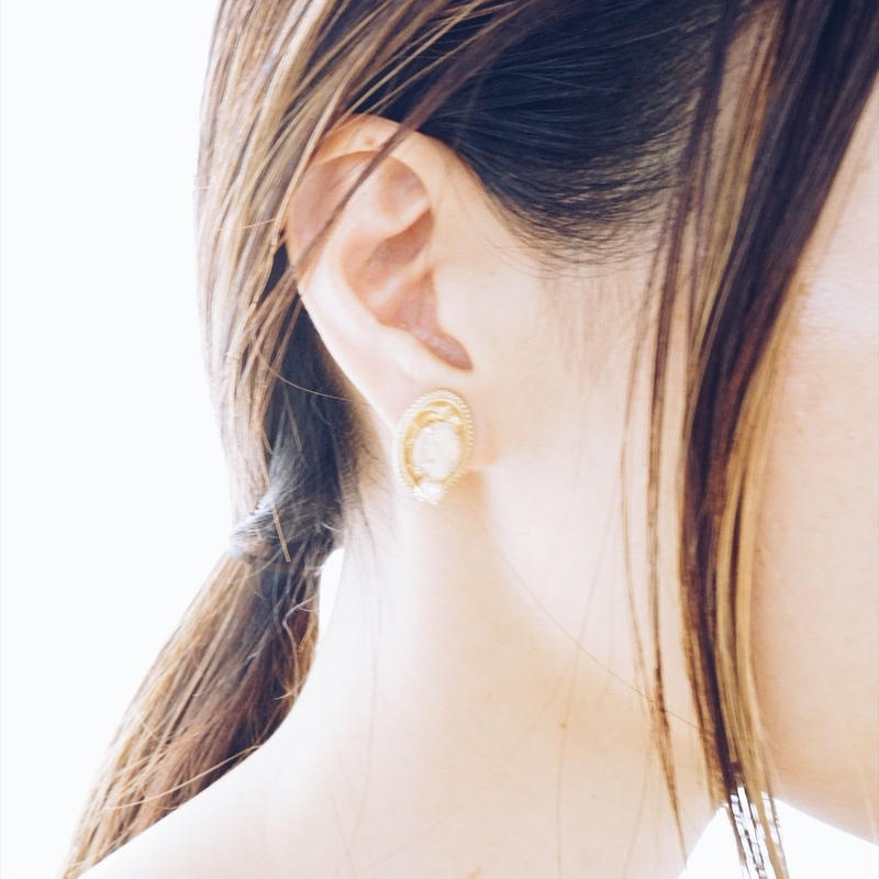 vintage   cameo earring
