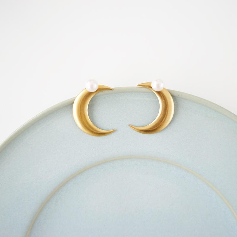 Twinkle Twinkle Moon earrings / ハンドメイドアクセサリ