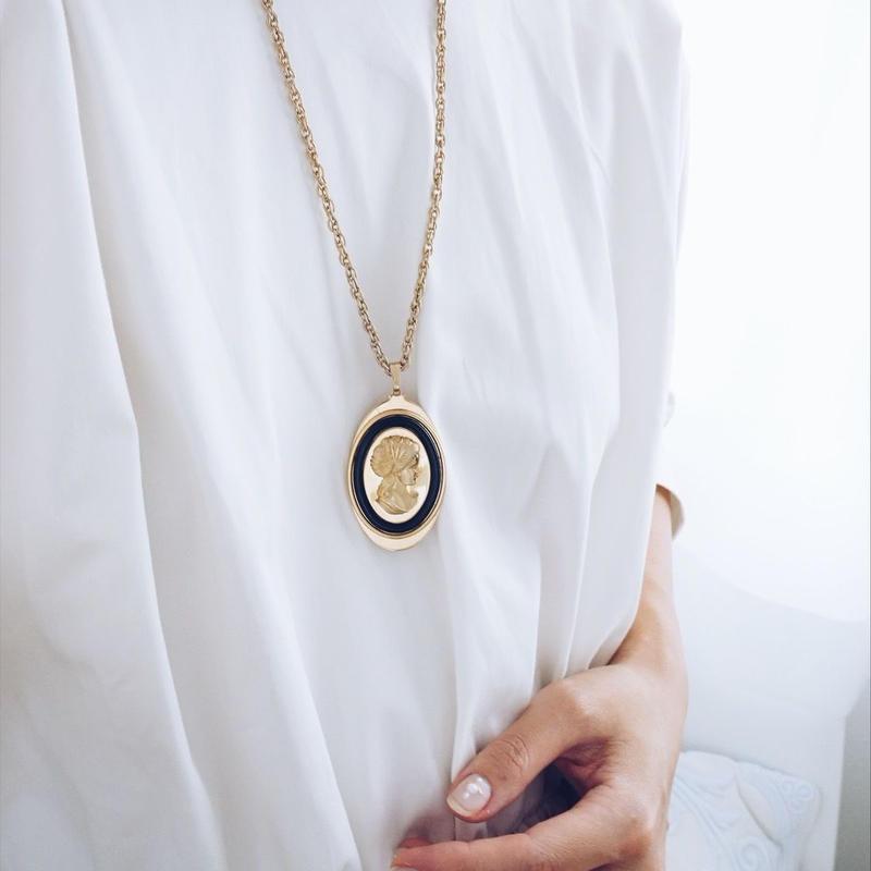 vintage  lady motif necklace