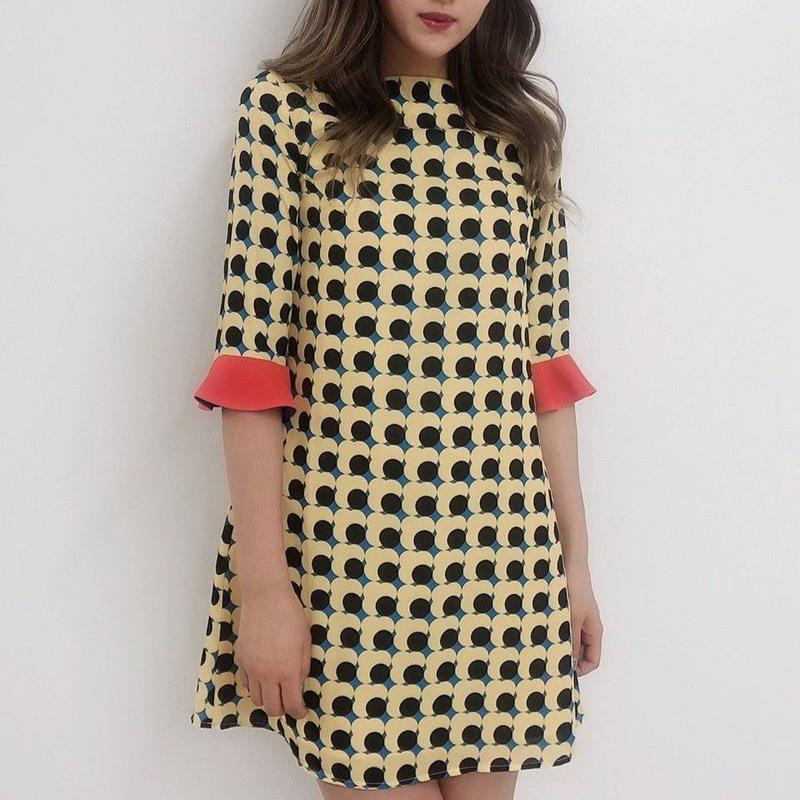 ポップフラワーパターンベルカフスドレス