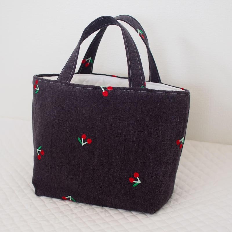 さくらんぼ刺繍のミニトートバッグ