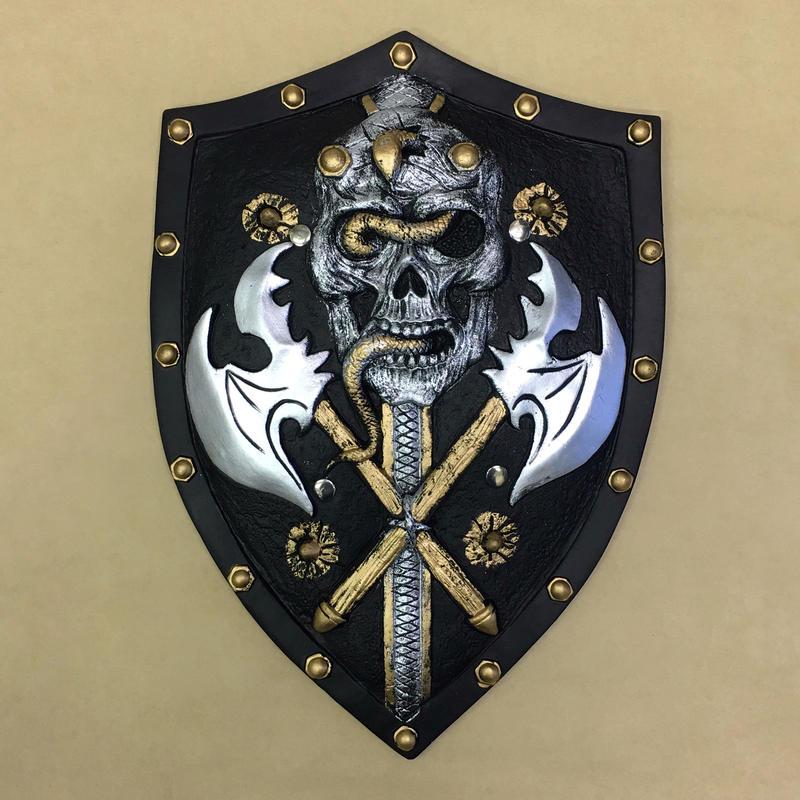 蛇纏いの髑髏兵の盾