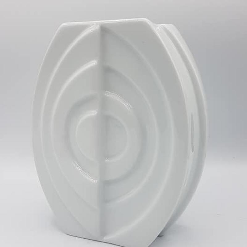 1960's~70's Gerold Porzellan製 OPアート ホワイトデザインベース アーモンド型B