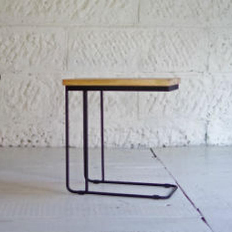 U IRON SIDE TABLE