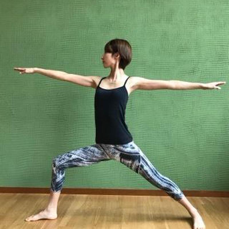『肩甲骨 YOGA〜肩甲骨は健康と美の鍵〜』