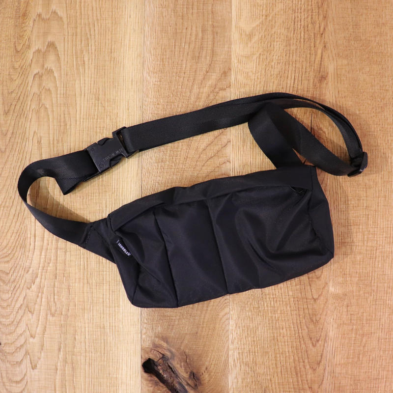 IGNOBLE (イグノーブル)  11032 Interruption Hip Bag  Black(N)