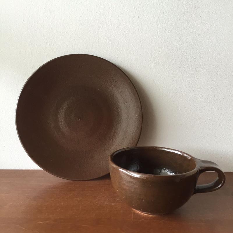 八重山陶磁 褐釉6寸皿/宮良断(アンパル陶房)
