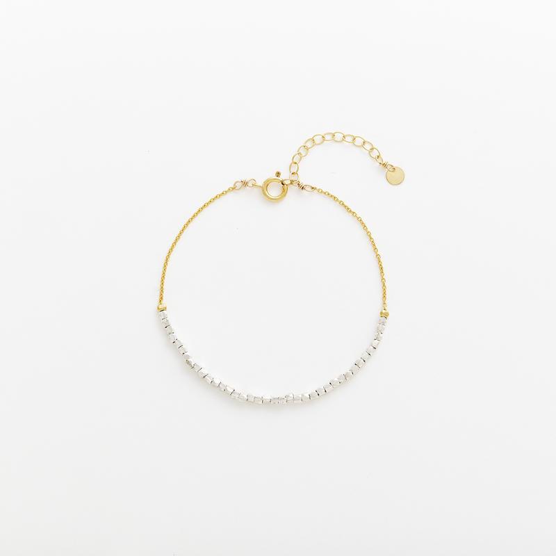square beads bracelet 08B101  / gold