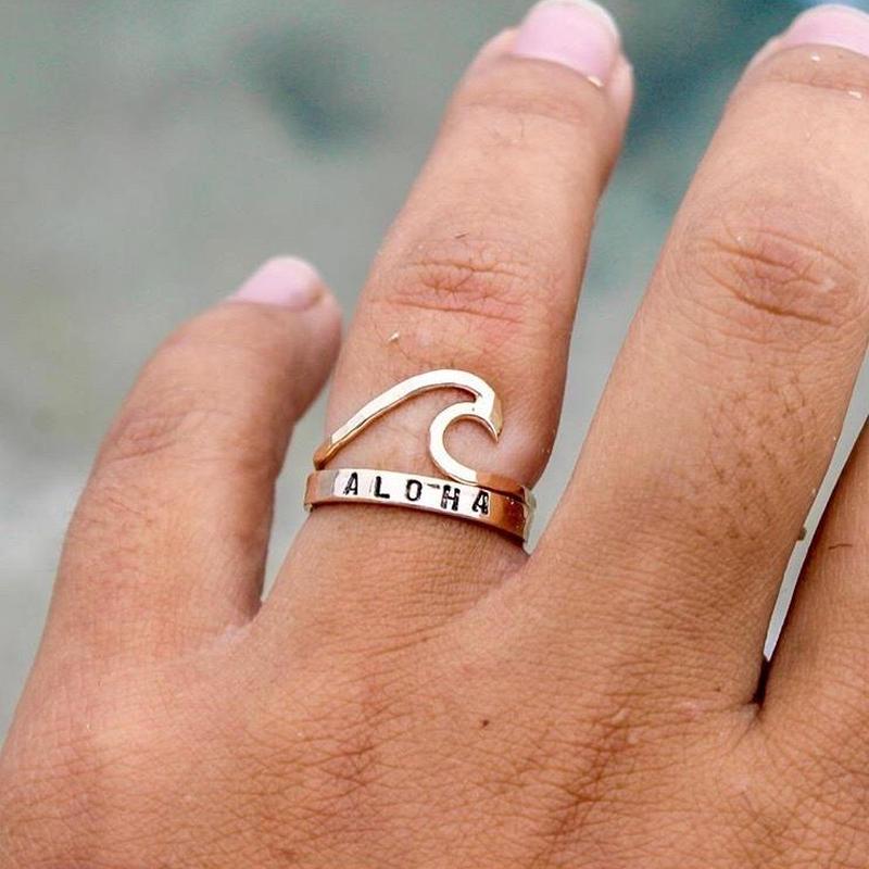 ハワイ Mo Made Jewelry スタンプドリング ゴールド 14Kgf ALOHA/アロハ