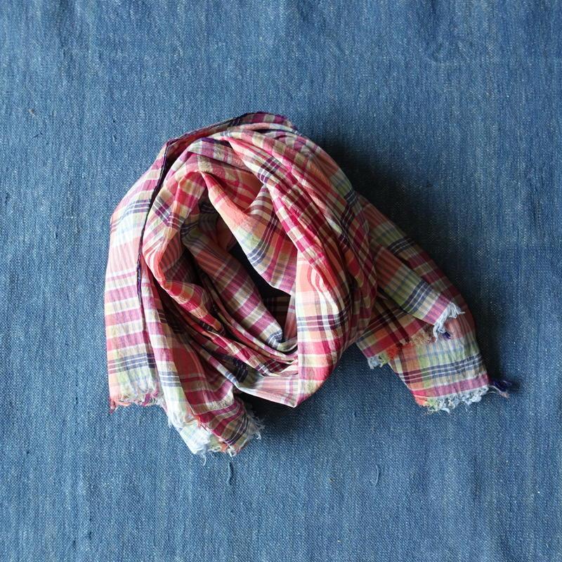 #150 Khadi Madras Stole (Pink)