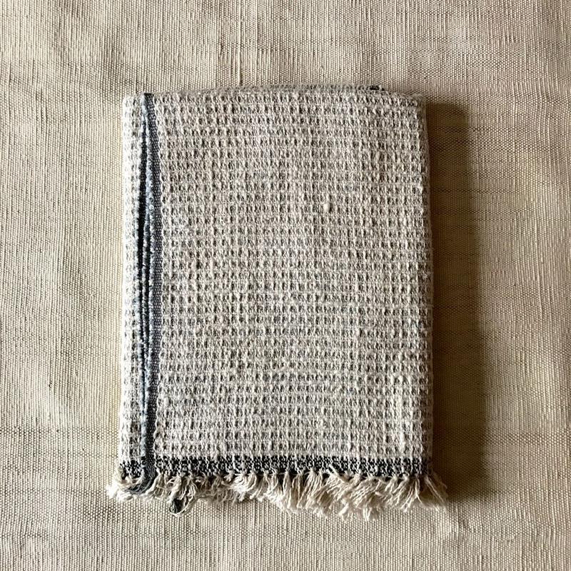 Gara-bou Blanket Stole Kabe 100×190cm (Light Gray Pin Border)
