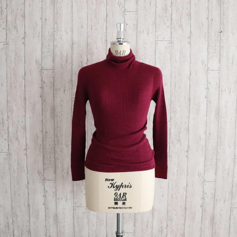 ふわふわシルクタートルネックセーター