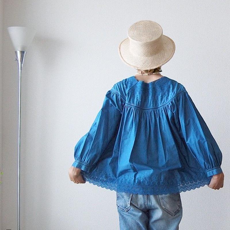 indigo-dyed square neck blouse / 03-8108005