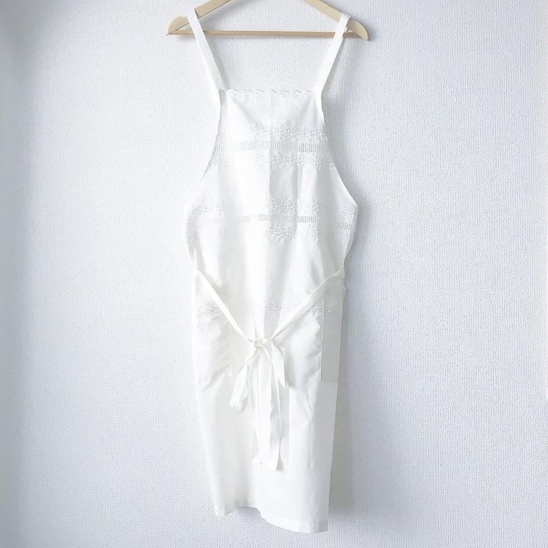 border embroidered apron / 03-7110004