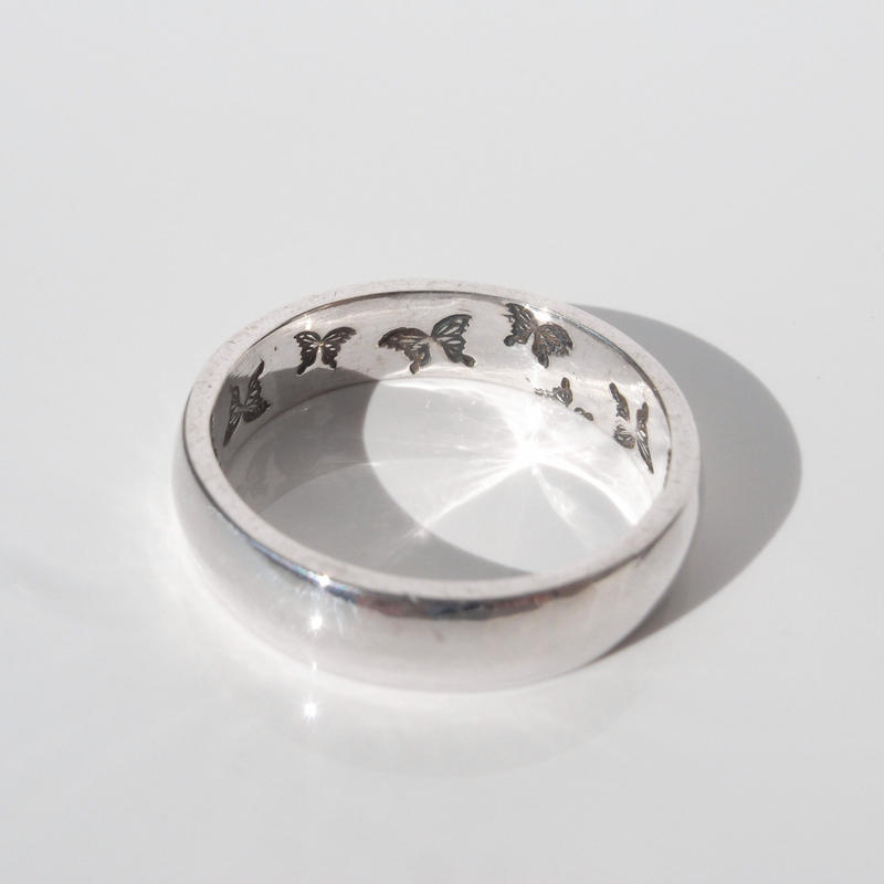 蝶の舞う指輪 | small