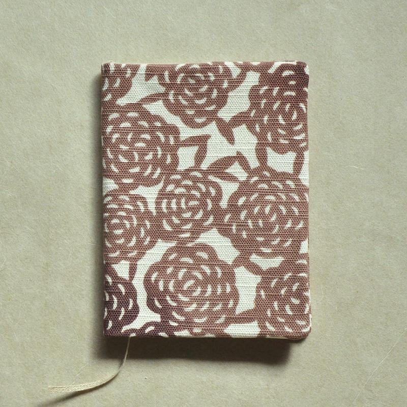 型染布ブックカバー(文庫本サイズ)|無量花 梅鼠(単色)