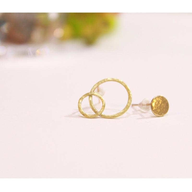 丸と円のピアス